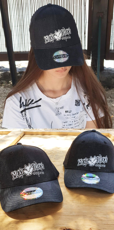 הדפסת פלקס על כובעים איכותיים